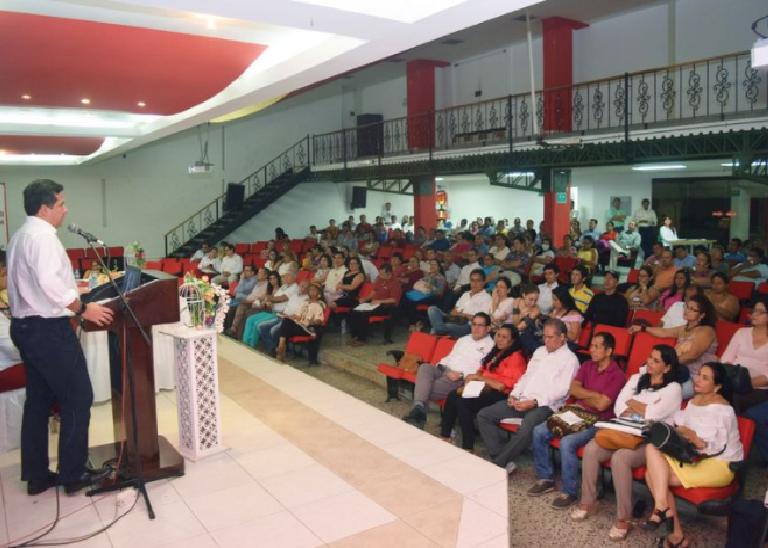 Doscientos maestros de Neiva fueron becados para estudiar maestrías en la Usco