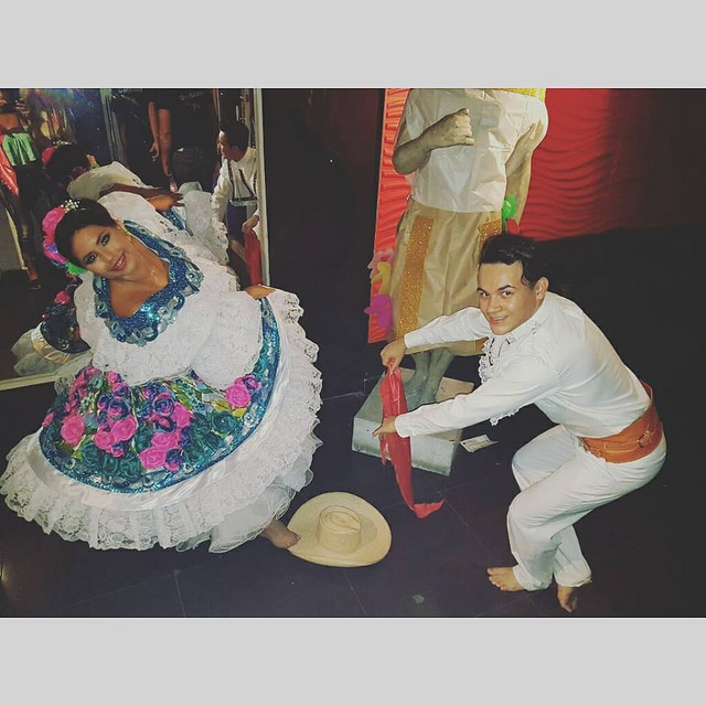 Dilan Tique, el bailarín que enseña la cultura