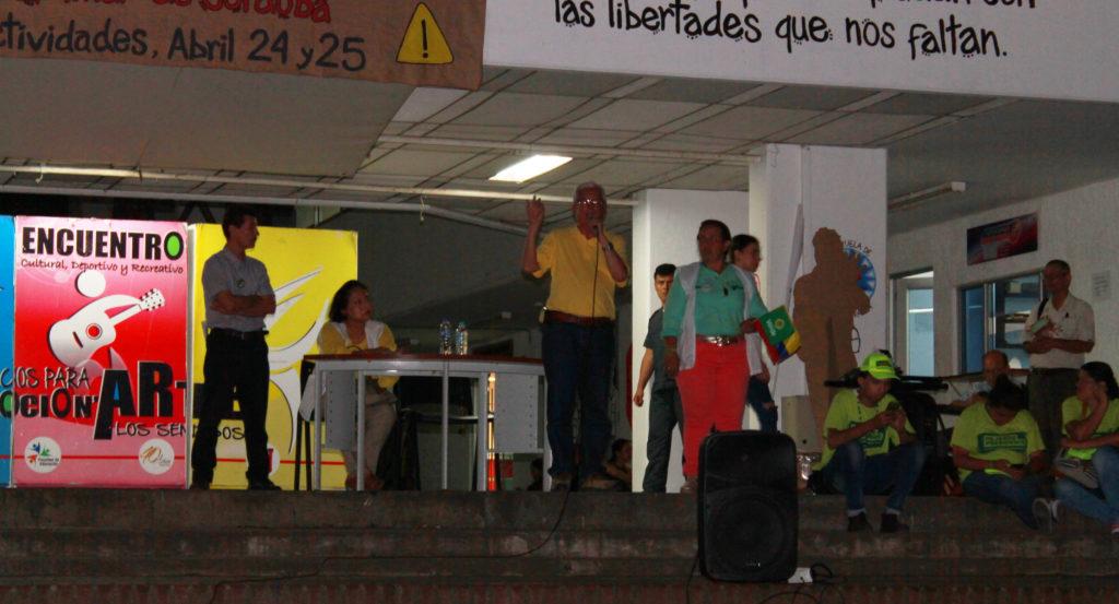 """""""No es posible crecer como país sin invertir en educación, sin respeto por los estudiantes y profesores"""": Jorge Enrique Robledo en la Usco"""
