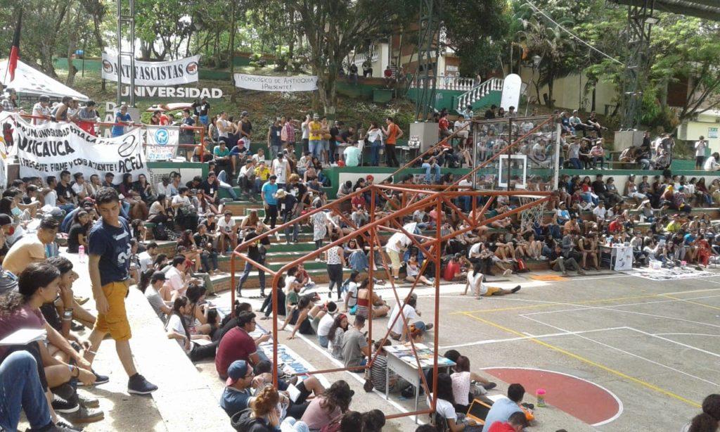 Encuentro Nacional de Estudiantes Universitarios en Florencia acuerda pliego de exigencias y plan de movilizaciones