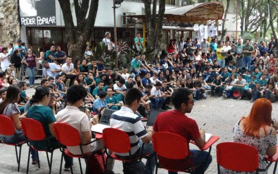 Asamblea General de la Usco exigió la renuncia del Rector Pedro Reyes Gaspar