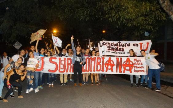 2 de Octubre: estudiantes de la Usco hicieron marcha de antorchas por presupuesto para la educación superior