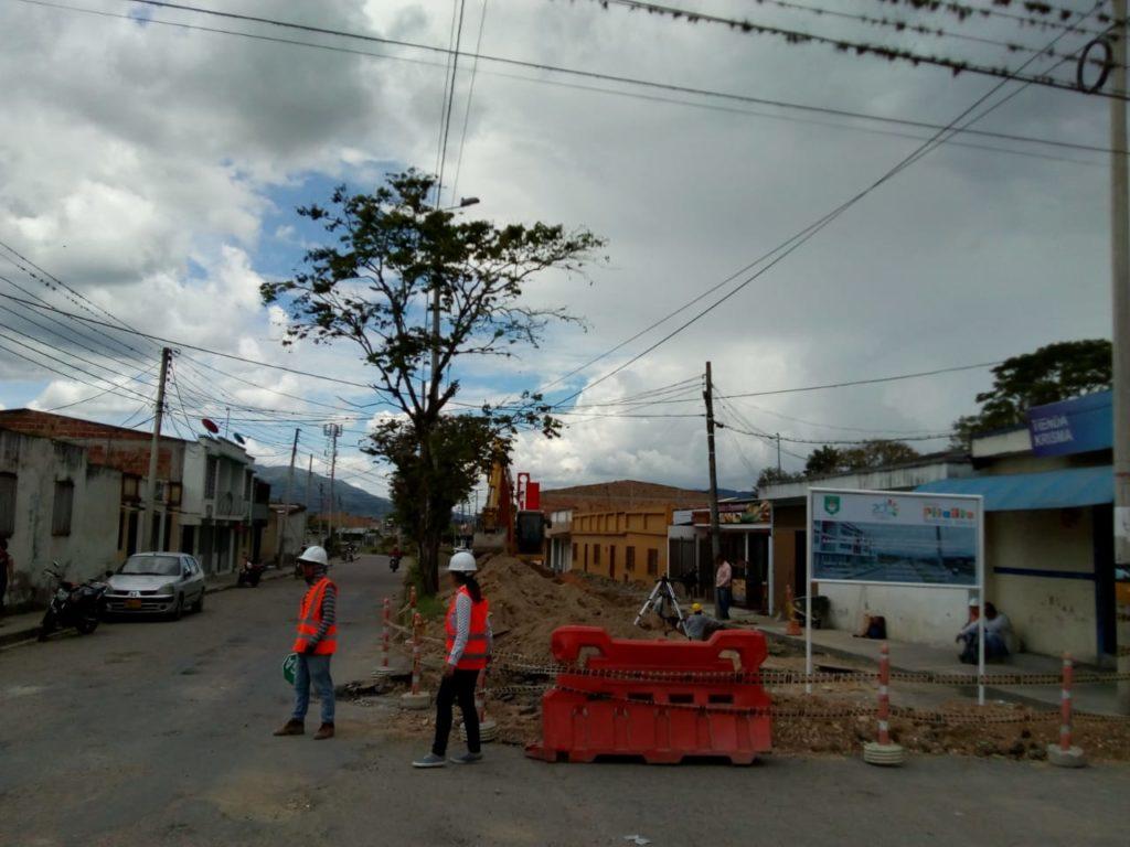 Carrera primera del municipio de Pitalito en precarias condiciones