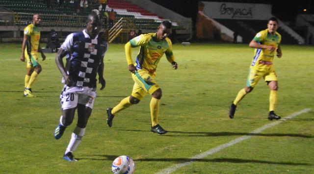 El Atlético Huila se despide de la Liga Águila con un empate en Tunja