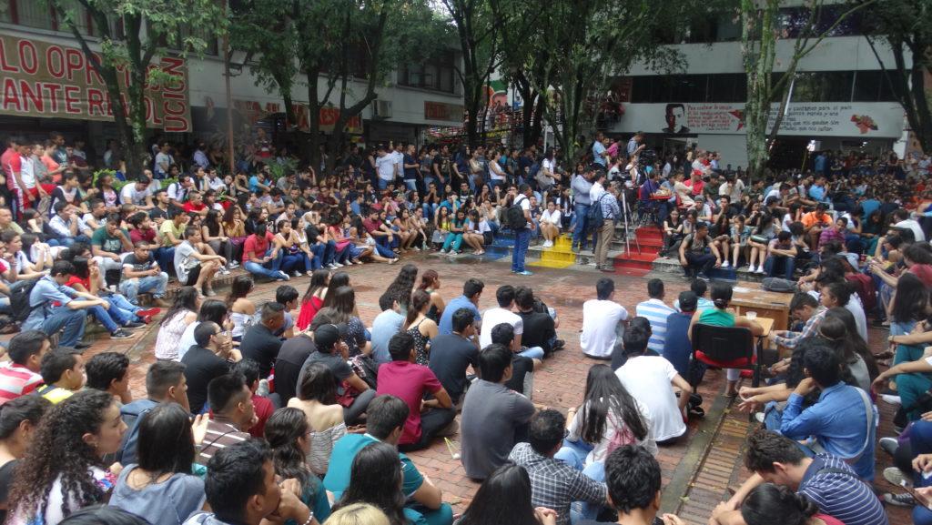 21 de Noviembre: Regresa la Clase al Parque en la Plaza Cívica de Neiva