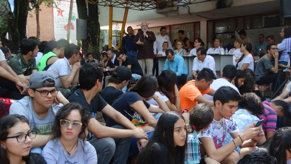 En Consejo Académico Ampliado realizado en las Agoras, la comunidad académica de la Usco exploró alternativas para continuar la movilización nacional y finalizar el semestre académico